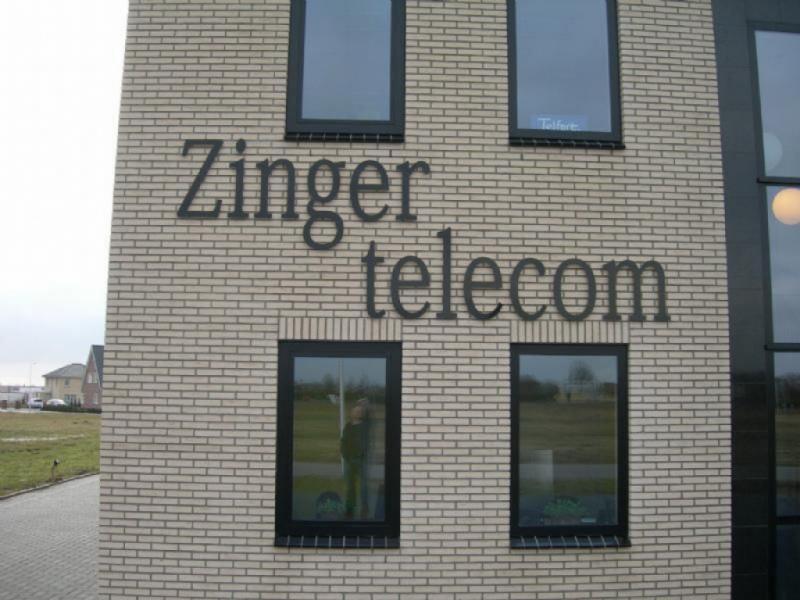 Zinger telecom gevel reclame