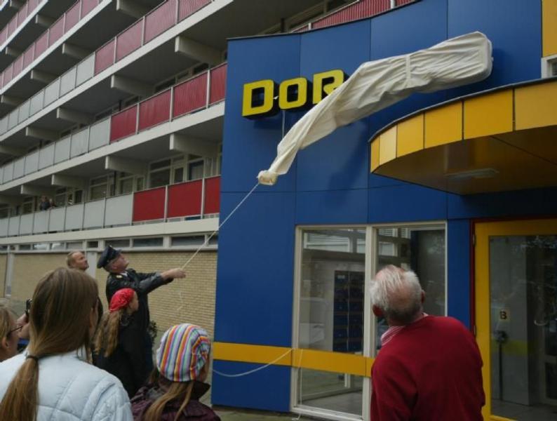 Dorado Hoogeveen lichtreclame onthulling