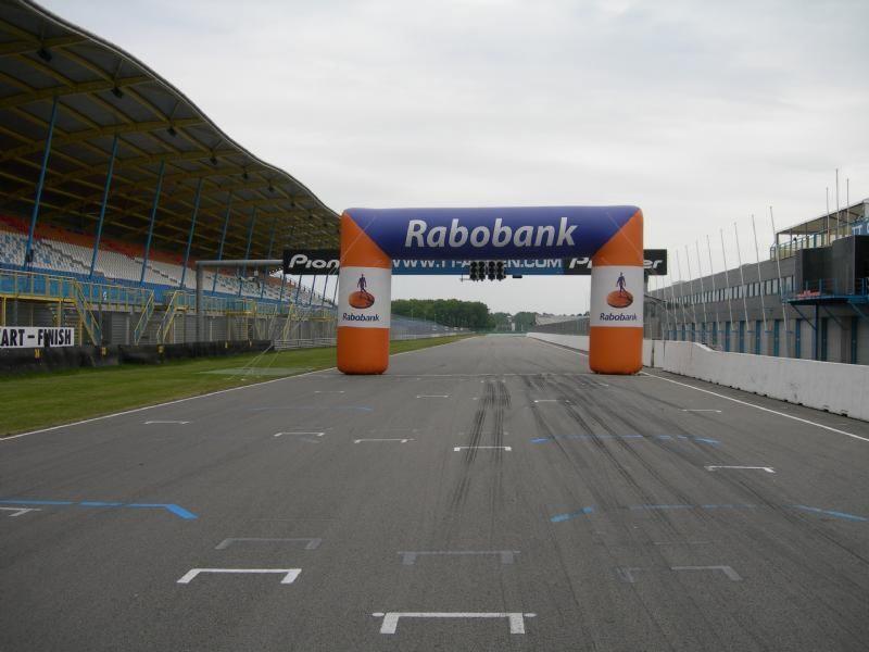 Rabobank boog gebruikt tijdens wedstrijden en evenementen