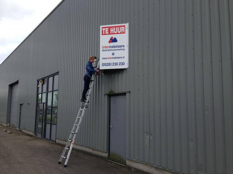 Montage V-bord op ladder licht in gewicht