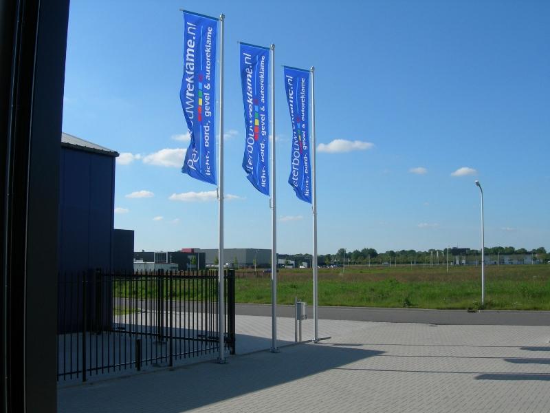 Peter Bouw Reklame Baniervlaggen en masten